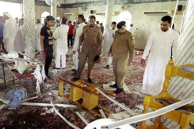 Attentat au parking de la mosquée pendant la prière du vendredi