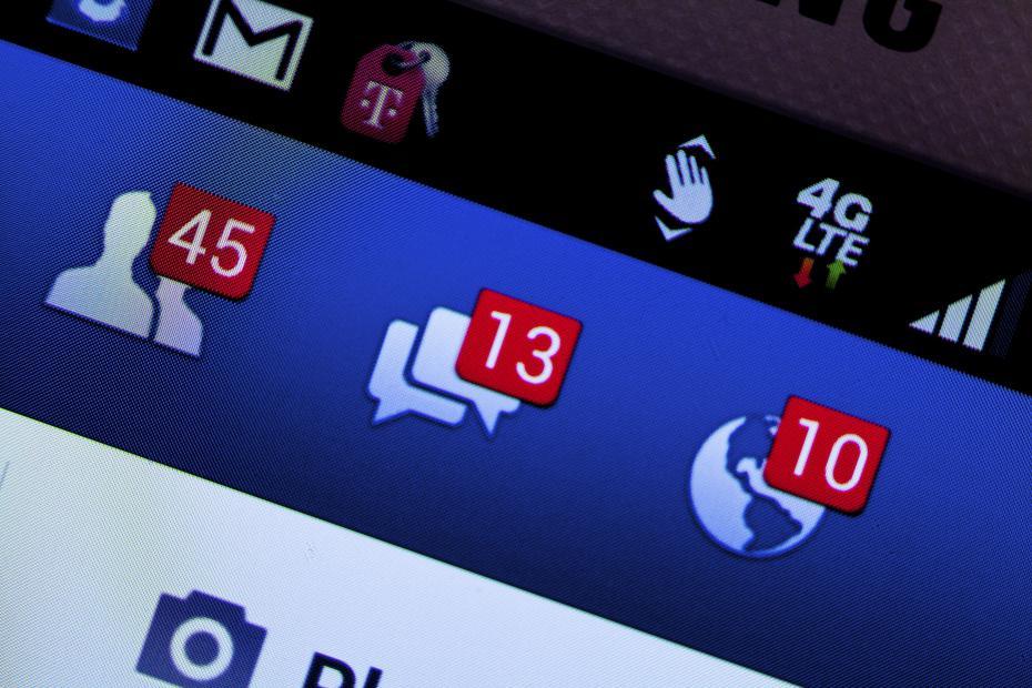 Facebook demande de dénoncer vos amis à pseudonyme