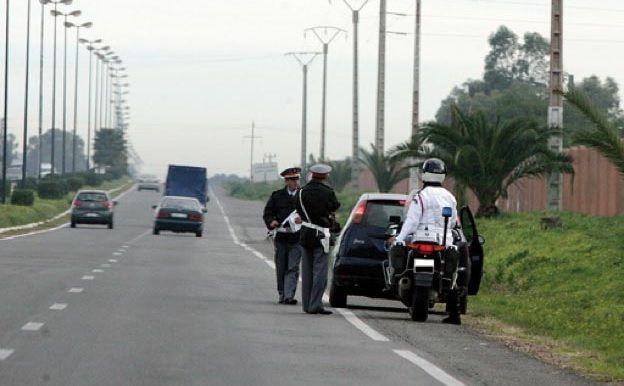 Autoroutes au Maroc: intercepter les voitures est illégal