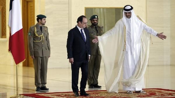 François Hollande et Al-Thani, signature pour la vente de 24 Rafale au Qatar