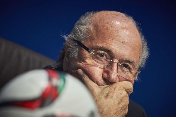 Sepp Blatter éjecté du fauteuil de la présidence de la FIFA